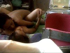 คลิปหลุดทางบ้านหนุ่มกัมพูชาตั้งกล้องเย็ดหีสาวมอญในห้องครัว เงี่ยนทนไม่ไหวเมาเหล้าแล้วคึกทั้งคู่