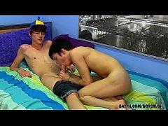 คลิปโป๊เกย์ฝรั่ง เกย์วัยรุ่นฝรั่งนัดเย็ดกันเกย์รุกอมควยให้เล่นท่า69อมเเล้วดูดดูดเสร็จเย็ดต่อเย็ดตูดเกย์เเตกใน