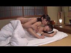 คลิปโป้เอวีญี่ปุ่น สาวแก่รุ่นเเม่อายุ40แอบผัวมาตีฉิ่งใช้sextoyใส่เเล้วยัดหีเพื่อนน้ำเเตก