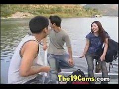 ดูหนังผู้ใหญ่zeed18+ หนังอาร์ไทยเก่าๆเสียงไทยเย็ดกันที่กลางป่าน้ำตกโดนรุมเย็ดหีสดเเตกคานม