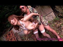xxxข่มขืน จับสาวนมโตกระแทกหีในป่า  เห็นยืนโบกรถอยู่ข้างทางเลยจอดไปจัดให้หนึ่งดอก