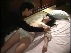 หนัง xxx ลักหลับแม่แท้ๆตอนเมาหลับอยู่ในห้อง porn ไปงานเลี้ยงข้างบ้านเมากลับมาหลับไม่รู้เรื่องขอลักเย็ดหีน่อยน้ะแม่