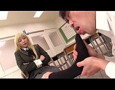 ทาสหีเพือนนักเรียนสาว ขอเลียตีนแลกเย็ดในห้องเรียนคาชุดคอซองเลยเสียวมาก