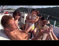 คลิป18+เจ้าของเรือยอร์ชปาร์ตี้เย็ดบนเรือกลางทะเลเครื่องสั่นหีเลียหีอมควยอย่างเพลิน