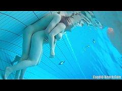 xxxเย็ดหีในสระน้ำ ยืนเย็ดในน้ำจนควยมิดด้าม อุ้มเย็ดหีคาสระน้ำ
